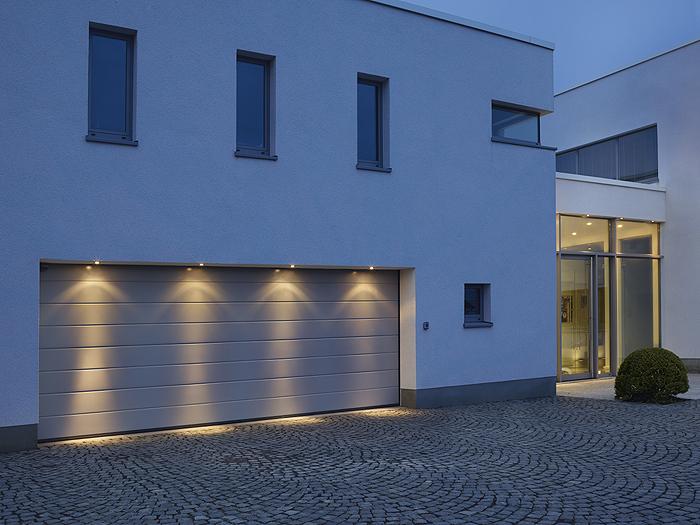 fassadenbeleuchtung hausbeleuchtung garagenbeleuchtung. Black Bedroom Furniture Sets. Home Design Ideas